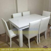Meja Makan Set Kursi Bramble Cat Duco Putih